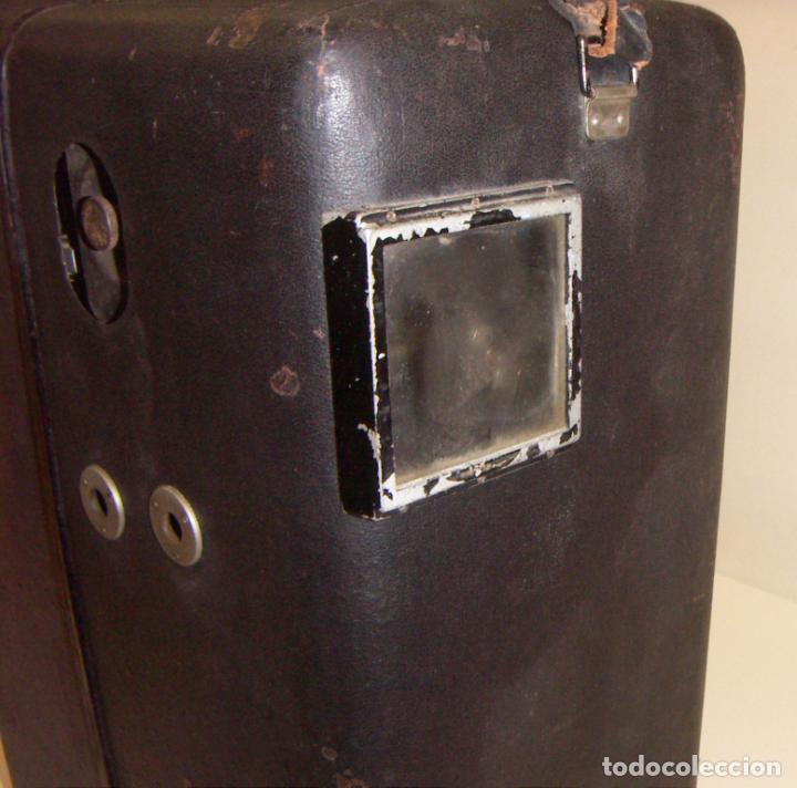 Antigüedades: Antiguo Proyector con caja años 20 - Foto 5 - 240912160