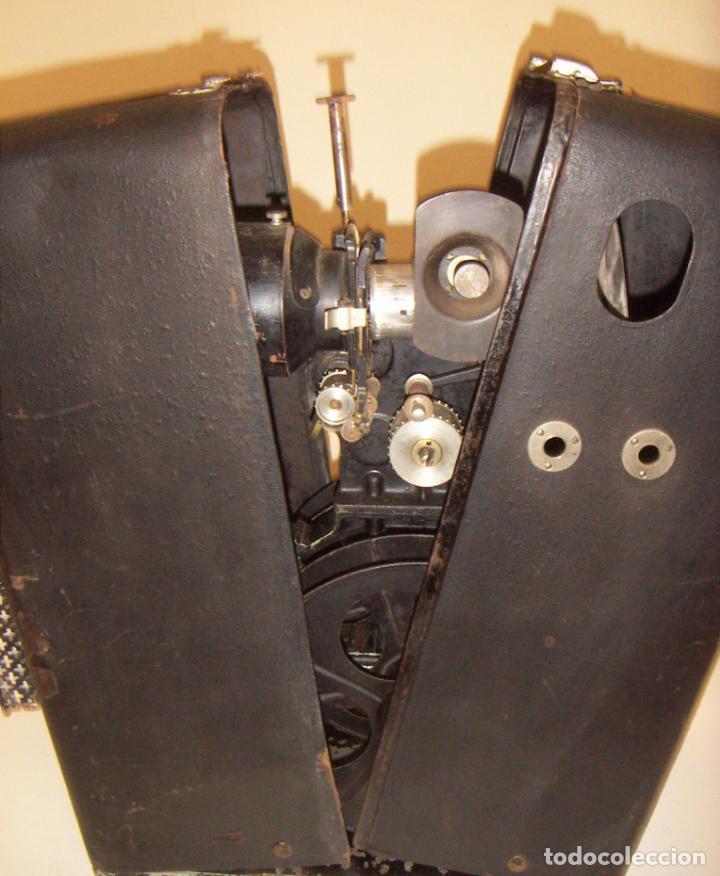 Antigüedades: Antiguo Proyector con caja años 20 - Foto 7 - 240912160