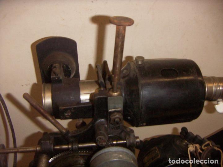 Antigüedades: Antiguo Proyector con caja años 20 - Foto 22 - 240912160
