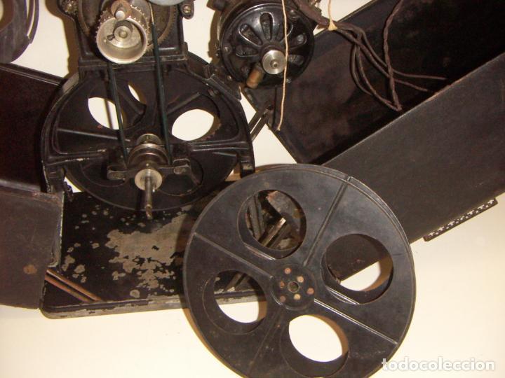 Antigüedades: Antiguo Proyector con caja años 20 - Foto 23 - 240912160