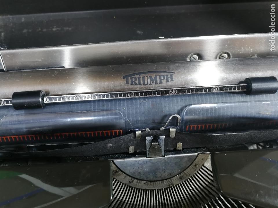 Antigüedades: Máquina de escribir portatil TRIUMF model Tippa, MUY BOTITA, FUNCIONANDO - Foto 2 - 240955430