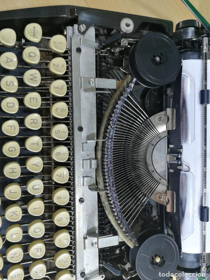 Antigüedades: Máquina de escribir portatil TRIUMF model Tippa, MUY BOTITA, FUNCIONANDO - Foto 22 - 240955430