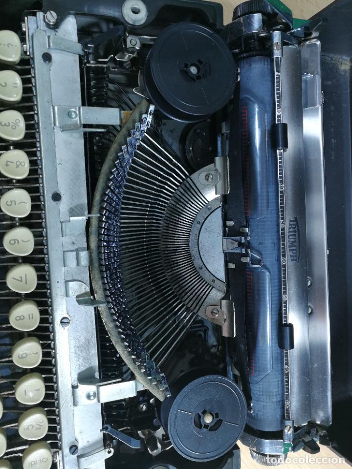 Antigüedades: Máquina de escribir portatil TRIUMF model Tippa, MUY BOTITA, FUNCIONANDO - Foto 25 - 240955430