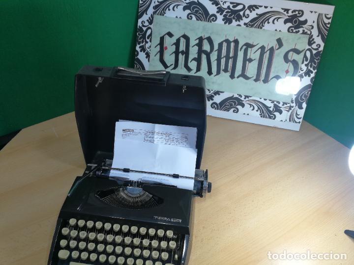 Antigüedades: Máquina de escribir portatil TRIUMF model Tippa, MUY BOTITA, FUNCIONANDO - Foto 27 - 240955430
