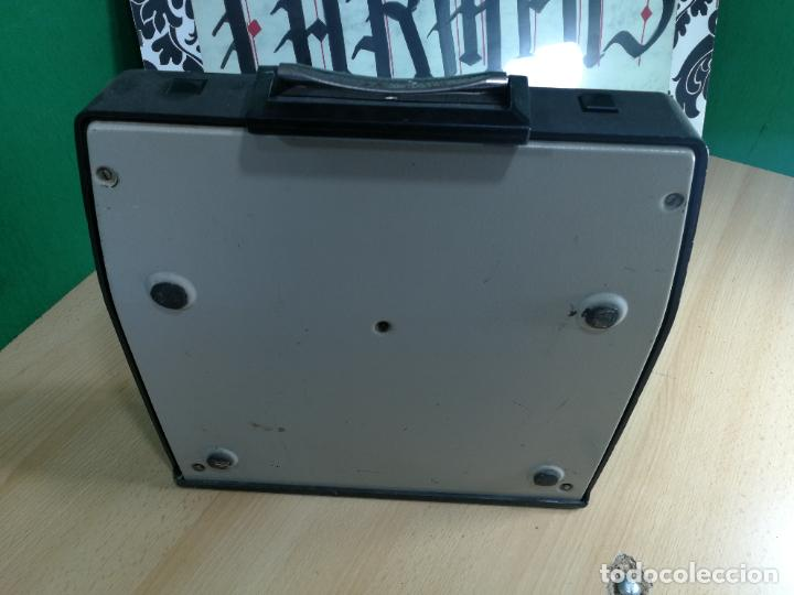 Antigüedades: Máquina de escribir portatil TRIUMF model Tippa, MUY BOTITA, FUNCIONANDO - Foto 28 - 240955430
