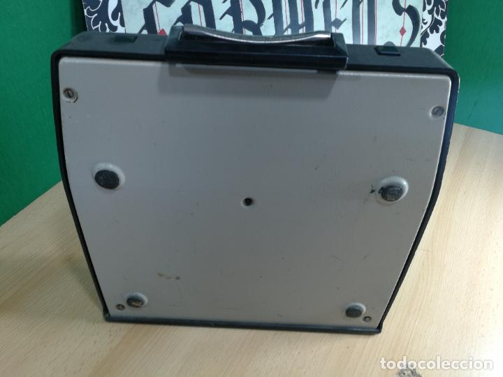 Antigüedades: Máquina de escribir portatil TRIUMF model Tippa, MUY BOTITA, FUNCIONANDO - Foto 29 - 240955430