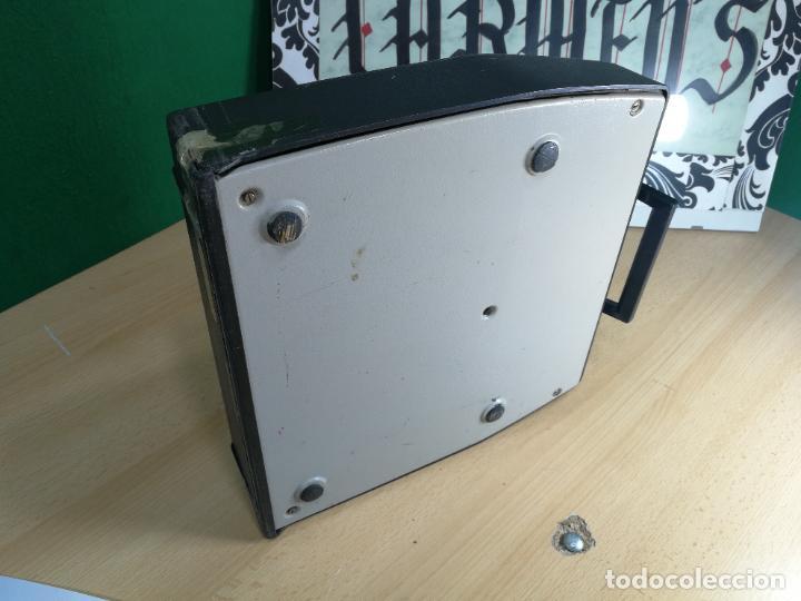 Antigüedades: Máquina de escribir portatil TRIUMF model Tippa, MUY BOTITA, FUNCIONANDO - Foto 32 - 240955430