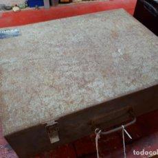 Antigüedades: CAJA HERRAMIENTAS METÁLICA VITORIA. FORZA.. Lote 241029095