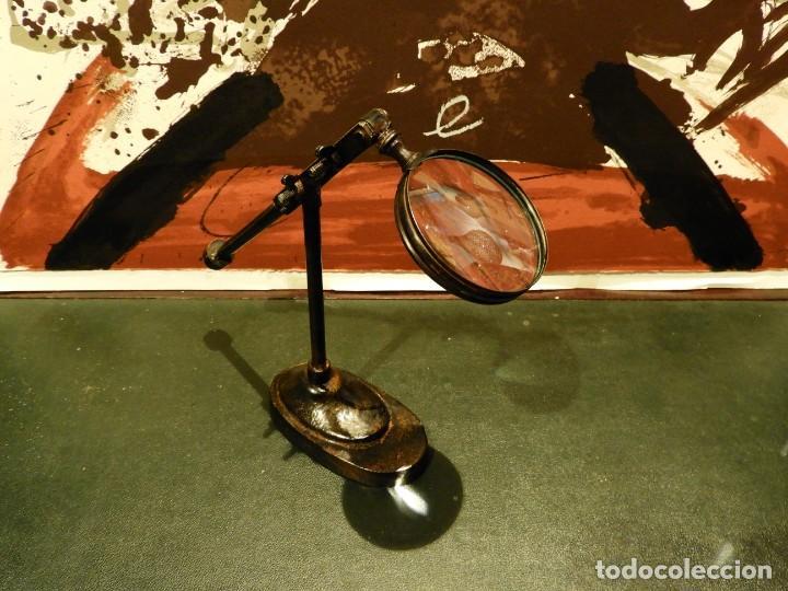LUPA DE SOBREMESA DE HIERRO (Antigüedades - Técnicas - Instrumentos Ópticos - Lupas Antiguas)