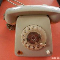 Teléfonos: ANTIGUO TELÉFONO HERALDO - INTERRUPTOR Y LUZ - MADE IN GERMANY - C39363-A30.A2.. Lote 241102360