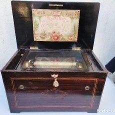 Antigüedades: CAJA DE MUSICA CERCA 1890 FLAUTAS DE VOZ CELESTIAL 10 CANCIONES 55 X 31 X 32 CM RARO. Lote 241279050