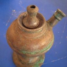 Antigüedades: MUY ANTIGUA RARA Y MUY ESCASA LAMPARA DE MECHA Y ACEITE DE BRONCE. Lote 241647715