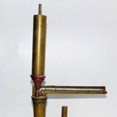 Antigüedades: ANTIGUO EBULLIMETRO DE LATON O BRONCE , ENOLOGIA, BUEN ESTADO ALTURA 42,5 CM. Lote 241942505