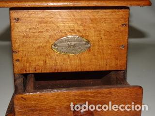 Antigüedades: ANTIGUO MOLINILLO DE CAFE PEUGEOT CON MANIVELA (MANUAL) - Foto 4 - 242108350