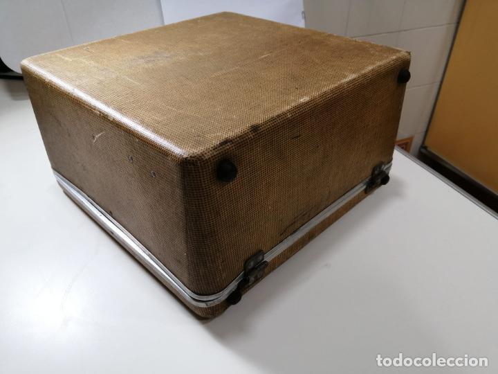 Antigüedades: ANTIGUA MAQUINA DE ESCRIBIR PORTATIL ROYAL QUIET DE LUXE - ESTADOS UNIDOS AÑOS 30 - CAJA ORIGINAL - Foto 10 - 242426615