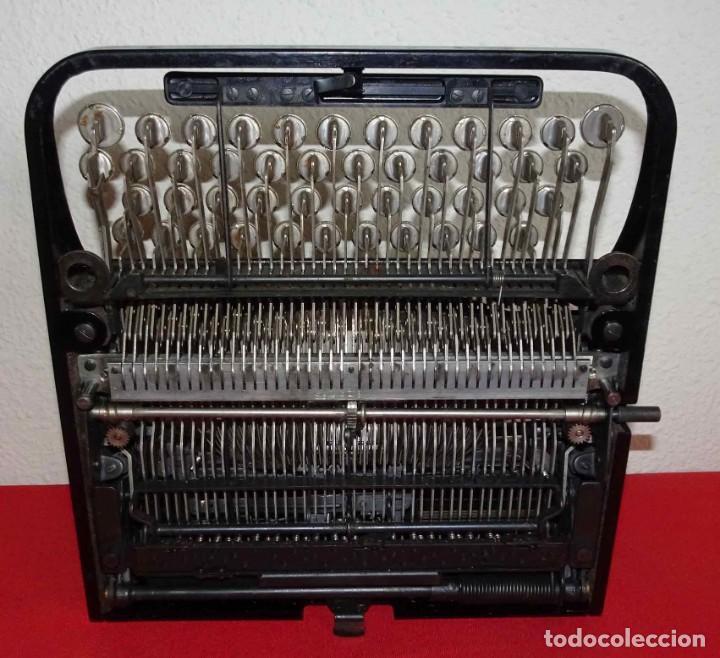 Antigüedades: Máquina de escribir UNDERWOOD, c1925 - Foto 6 - 242456290
