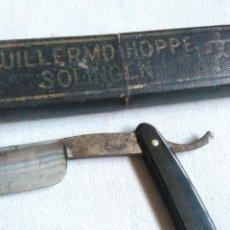 Antiquités: ANTIGUA NAVAJA DE AFEITAR GUILLERMO HOPPE N°14 CON SU CAJA.SOLINGEN.CUCHILLERIA MERINO IGUALADA.. Lote 242825895