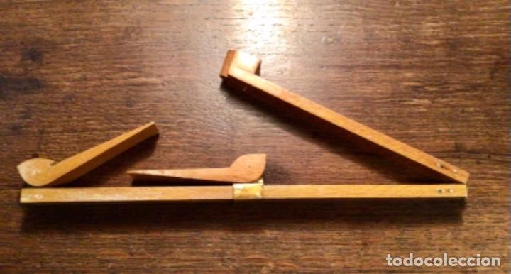 ANTIGUO PIE DE REY MADERA Y RÓTULAS DE LATON (Antigüedades - Técnicas - Aparatos de Cálculo - Reglas de Cálculo Antiguas)