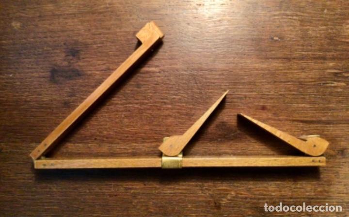 ANTIGUO PIE DE REY DE MADERA Y RÓTULAS DE LATON (Antigüedades - Técnicas - Aparatos de Cálculo - Reglas de Cálculo Antiguas)