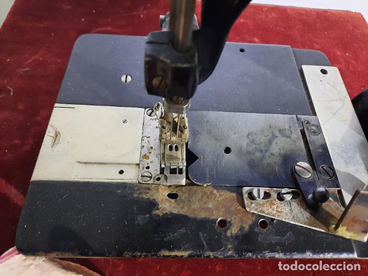 Antigüedades: mauser spezial magnum malin,maquina de coser industrial de siglo xix - Foto 8 - 242873445