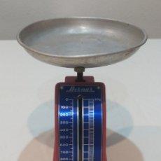 Antigüedades: ANTIGUA BALANZA BERNAR HASTA 1K. Lote 242955910