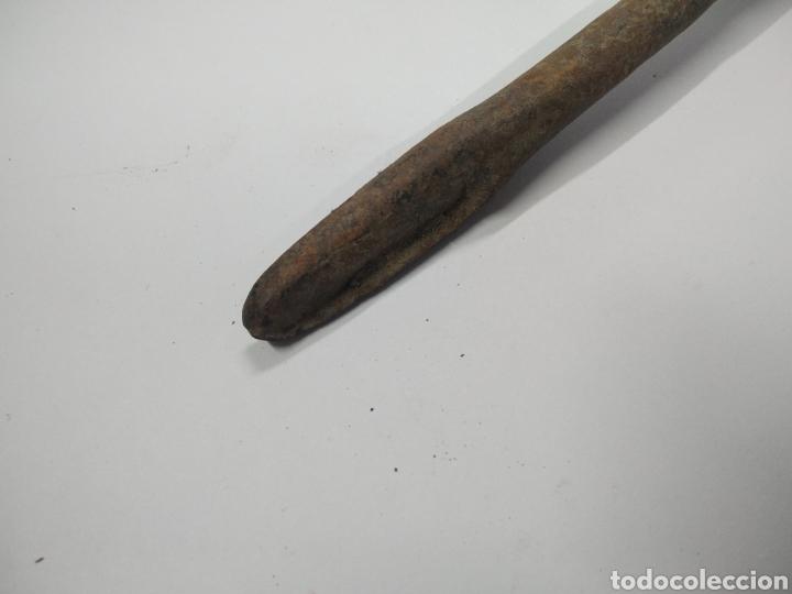 Antigüedades: Gran berbiquí de mano antiguo carpintero - Foto 2 - 243112285