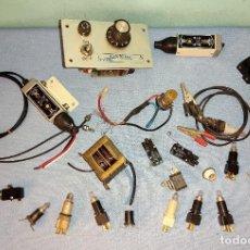 Antigüedades: LOTE DIVERSO DE MATERIAL ELECTRICO PARA MAQUETAS. Lote 243153125
