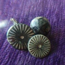 Antigüedades: LOTE VARIADO DE BOTONES,2 ROMANOS,1 BIZANTINO.. Lote 243370275