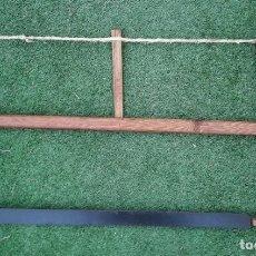 Antigüedades: SERRUCHO, SIERRA DE ARCO DE MADERA. Lote 243397845