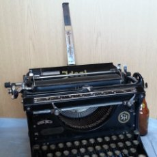 Antigüedades: MÁQUINA ESCRIBIR. MARCA IDEAL. AÑOS 50. TYPEWRITER OLD. Lote 243829250
