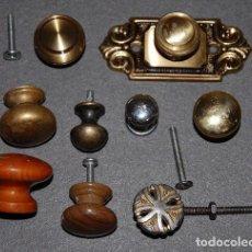 Antigüedades: LOTE DE NUEVE TIRADORES VARIADOS. Lote 244442875