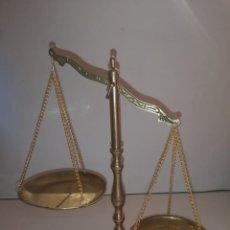 Antigüedades: BALANZA METÁLICA. Lote 244445045