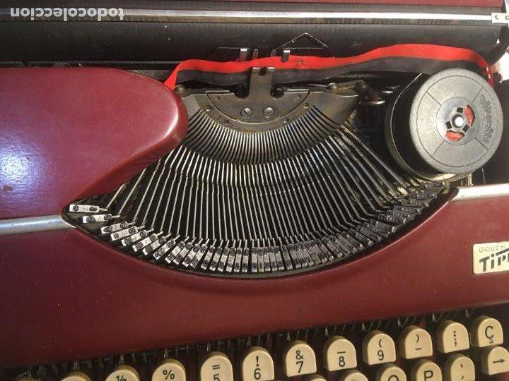 Antigüedades: :aquina de escribir Gossen Tippa, caja metálica mide 30x31x7 cms.maquina de plástico duro - Foto 13 - 244425460