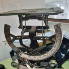 Antigüedades: ANTIGUO BALANZA PARA PESAR CARTAS MEDIDAS 15CM X 10CM X 20CM. Lote 244525855