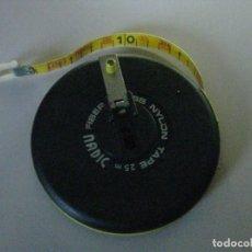 Antigüedades: CINTA METRICA DE 25 MTS. *FIBER-GLASS NYLON MARCA **NADIC **. Lote 244572090