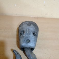 Antigüedades: ANTIGUO GANCHO PARA PUENTE GRÚA BENGO 1TONELADA. Lote 244599655