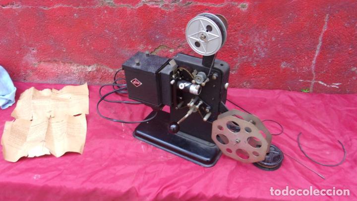 Antigüedades: proyector EKA,calidad,instrucciones y una peli repuesto - Foto 5 - 244602625