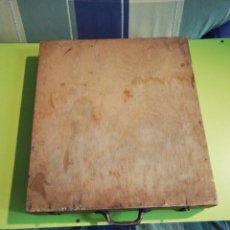 Antigüedades: ANTIGUA CAJA ORGANIZADORA DE MADERA. Lote 244650975