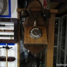 Teléfonos: TELEFONO DE MADERA, NO SI ES UNA MUY BUENA REPLICA O AUTENTICO, PUEDE QUE HASTA FUNCIONE. Lote 244697370
