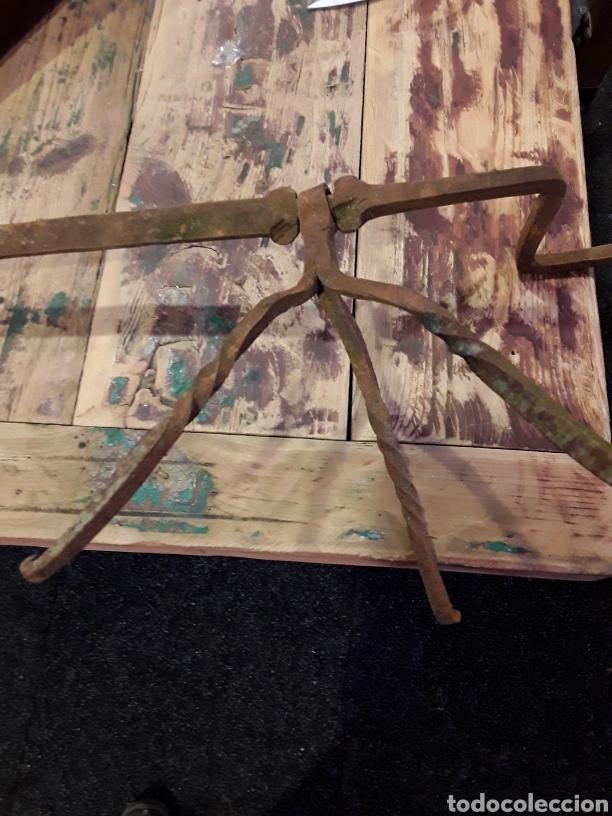 Antigüedades: Asadera de espada en forja - Foto 4 - 244708105