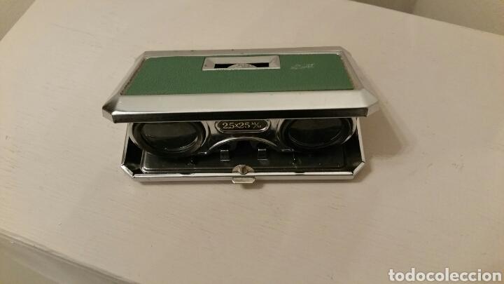 Antigüedades: Antiguos Anteojos (prismáticos) de teatro. GREEN - 2,5 X 25 mm. Plegables compact. (Japan) Años 70. - Foto 3 - 244757550