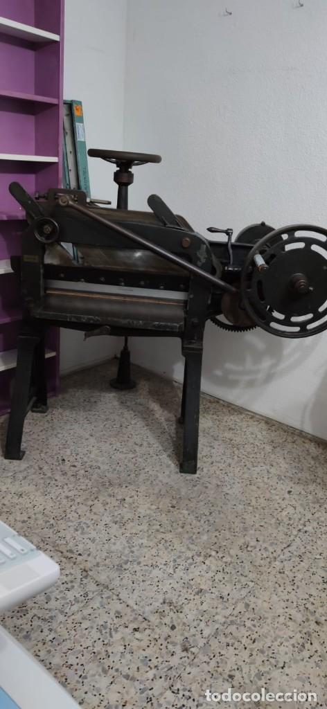 Antigüedades: Máquina prensa-guillotina antigua JOSE ROIG - Foto 3 - 244838230