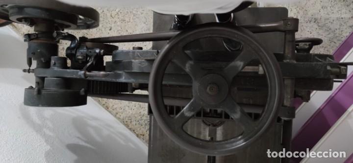 Antigüedades: Máquina prensa-guillotina antigua JOSE ROIG - Foto 4 - 244838230