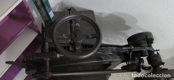 Antigüedades: Máquina prensa-guillotina antigua JOSE ROIG - Foto 6 - 244838230