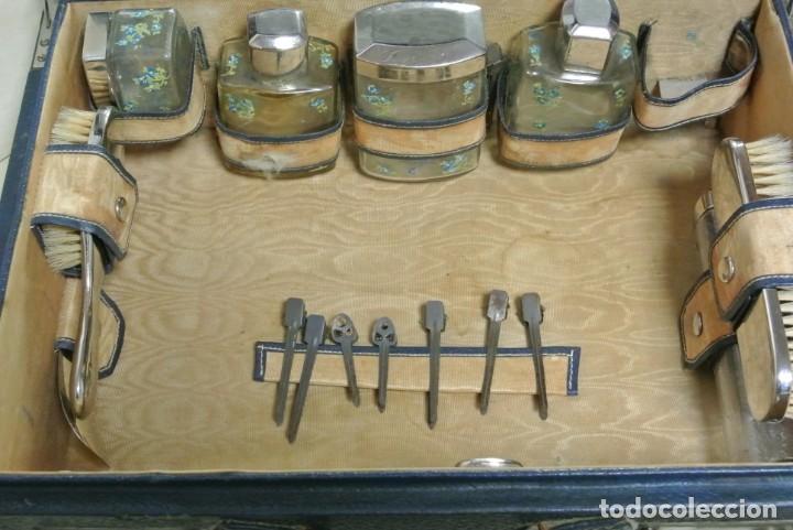 Antigüedades: ANTIGUA MALETA TOCADOR DE VIAJE - Foto 8 - 244921985