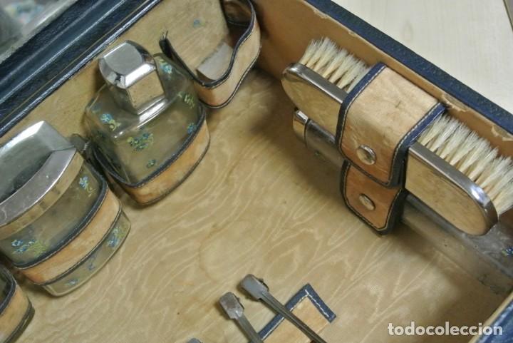 Antigüedades: ANTIGUA MALETA TOCADOR DE VIAJE - Foto 11 - 244921985