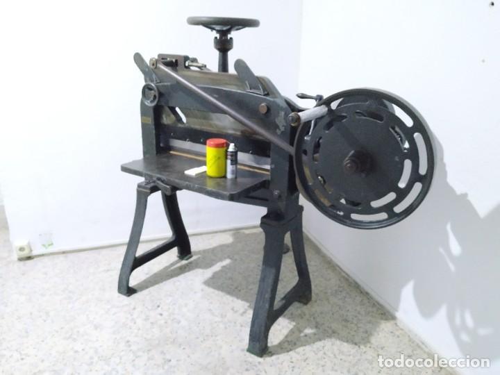 Antigüedades: Máquina prensa-guillotina antigua JOSE ROIG - Foto 9 - 244838230