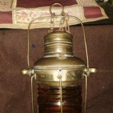 Antigüedades: FAROL MARÍTIMO ANTIGUO DE LATÓN Y CRISTAL. ELECTRIFICADO.. Lote 245094875
