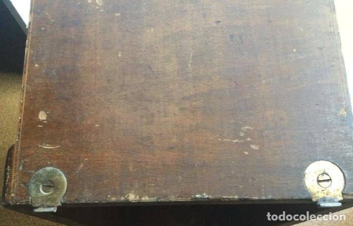 Antigüedades: Tapa de madera de máquina de coser singer - Foto 6 - 287570698
