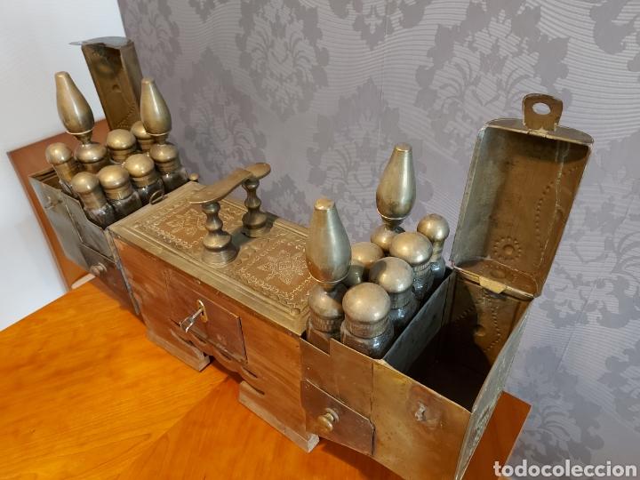 Antigüedades: Antiguo limpia botas turco gran tamaño 82 cm limpia zapatos latón y cobre repujado limpiabotas - Foto 7 - 245220655